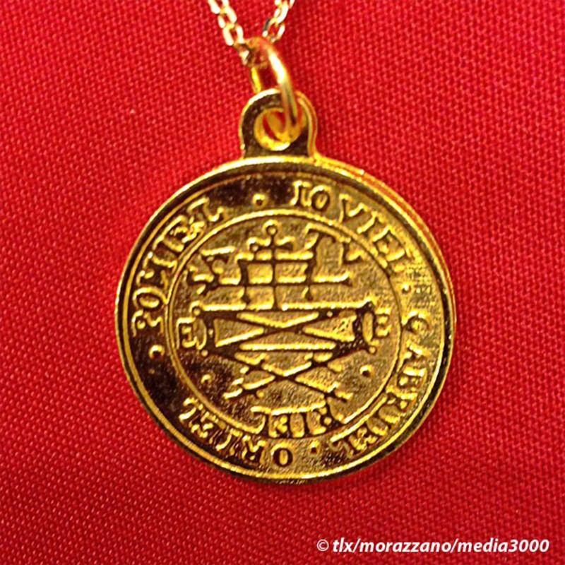 MEDAILLE PROTECTRICE DES ARCHANGES  Or Massif 18 Carats